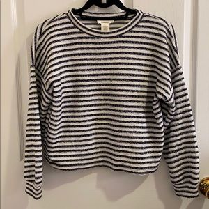 STRIPED CROPPED LONG SLEEVED TOP